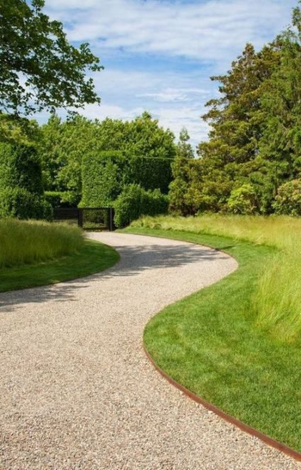 35 Fabulous Driveway Landscaping Design Ideas For Your Home To Try Asap