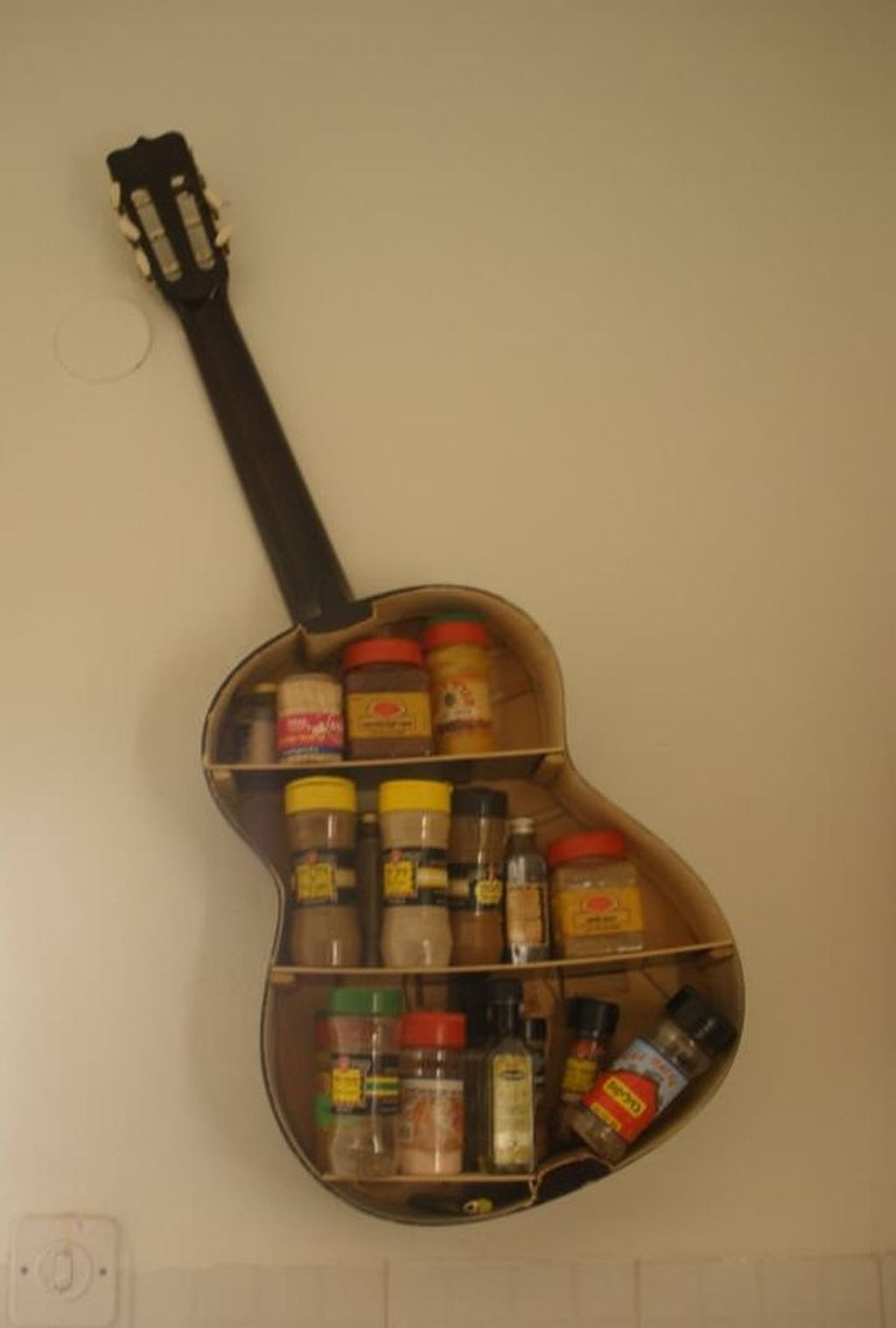Dreamy Racks Design Ideas From Recycle Old Guitars To Try Asap 19