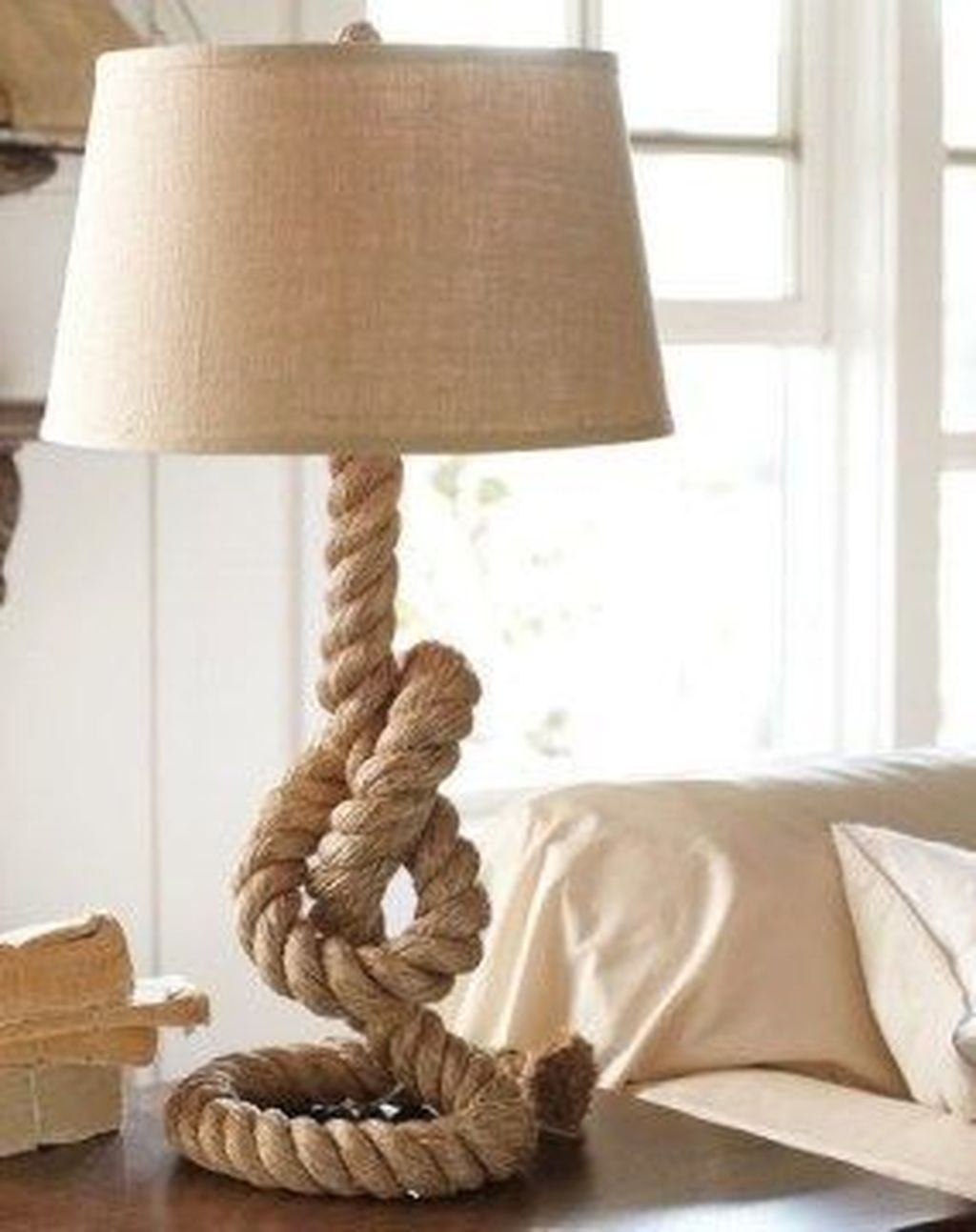 Newest Coastal Decorating Ideas With Rope Crafts To Try Right Now 33