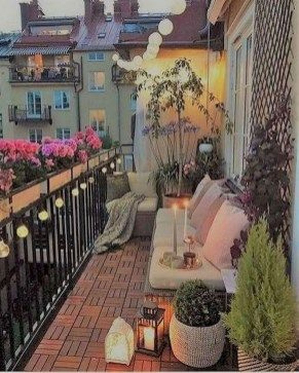 Relaxing Tiny Balcony Decor Ideas To Try This Month 32