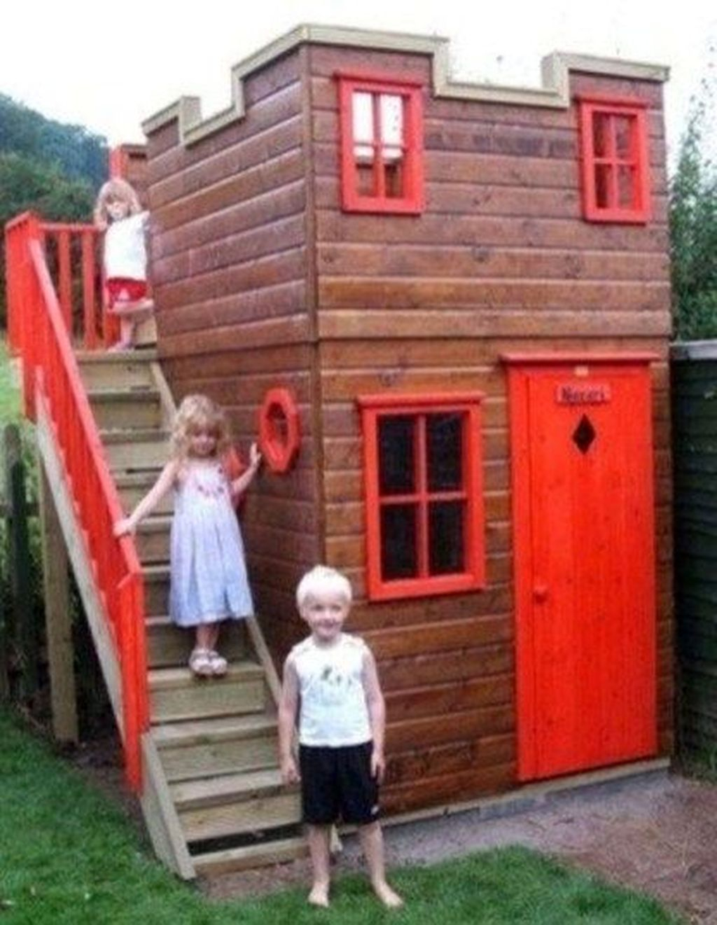 35 Attractive Outdoor Kids Playhouses Design Ideas To Try Right Now