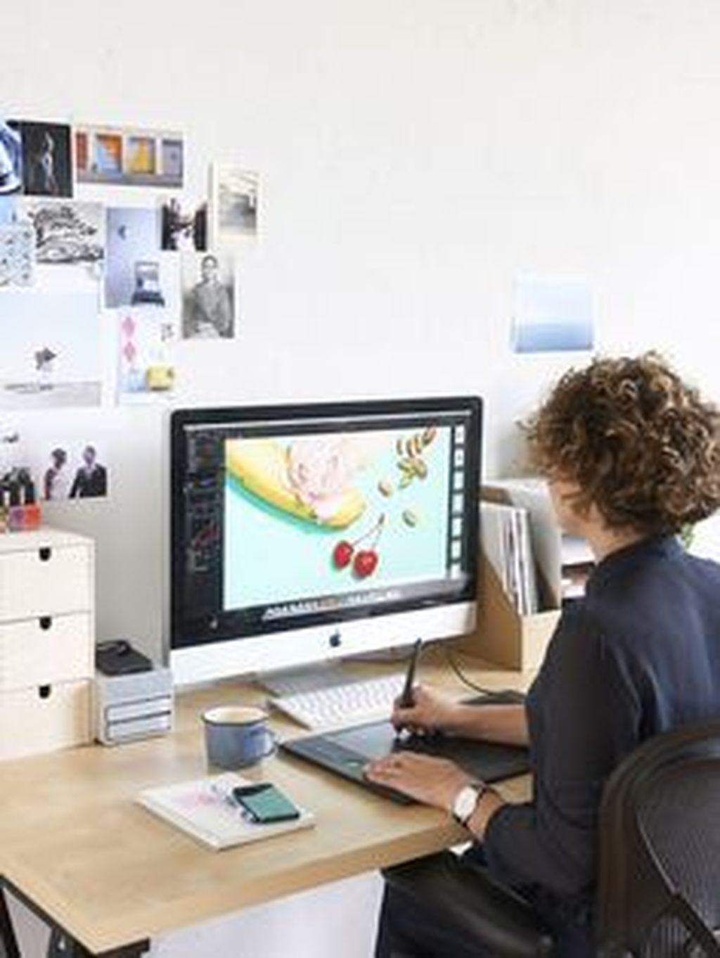45 Captivating Girl Workspace Design Ideas That Looks So Cute