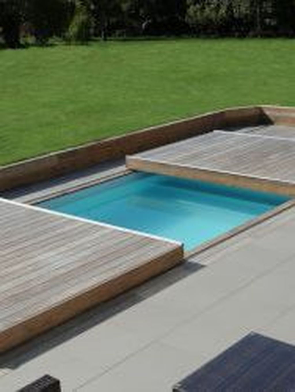 31 Chic Rolling Deck Design Ideas For Your Pools That You Need To Try