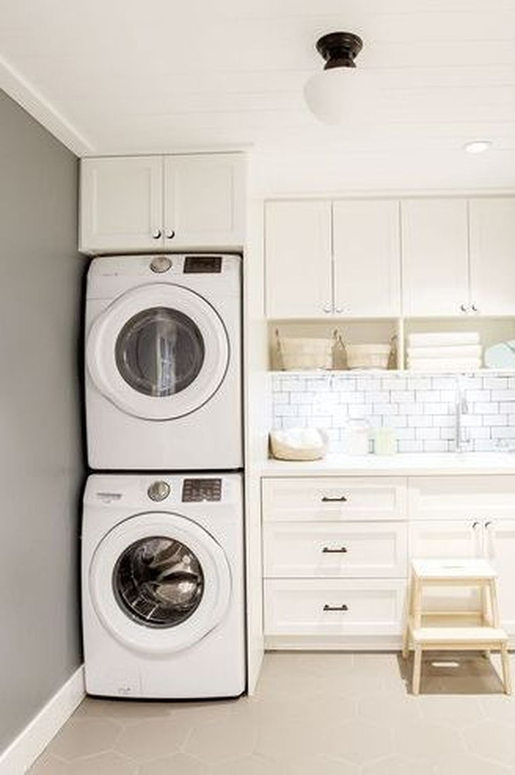 38 Wonderful Bright Laundry Room Designs Ideas That You Need To Try